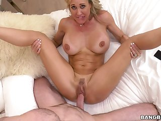 mother I´d like to bang Rammed On Bed - Xozilla Xozilla Porn Movies