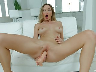 Teenie works her new toy in supreme XXX solo scenes