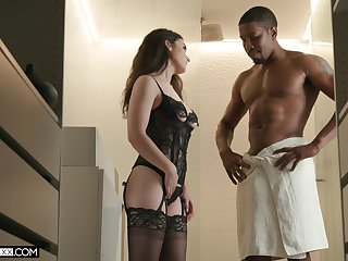 Tantalizing white babe Lyra Lockhart is fucked by horny Isiah Maxwell