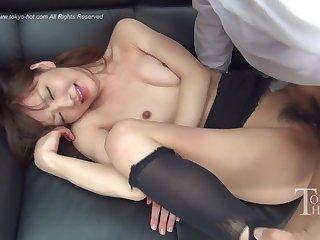 Boss fucks sexy Japanese secretary in the office