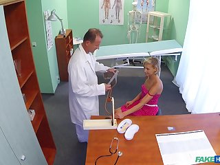Amateur blonde spreads her legs to be fucked by the fake doctor