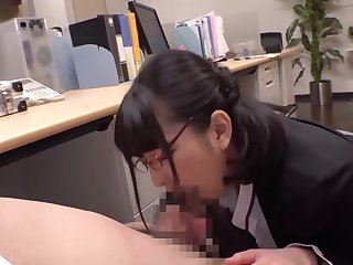 Japanese women with Jobs