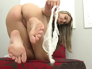 Hot babe Lexie Fux solo session